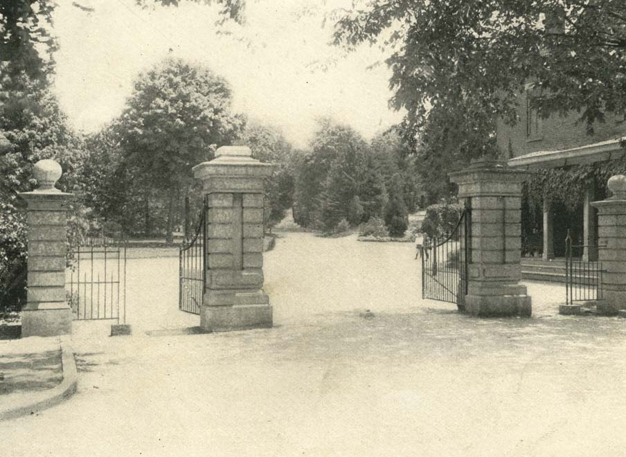 Park entrance in 1901. Source: The Book of Ohio, OH 977.1 B724, v.4, page 921.