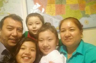 Tursunay Awut and family