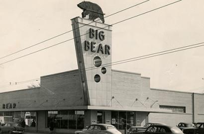Big Bear Grocery store exterior