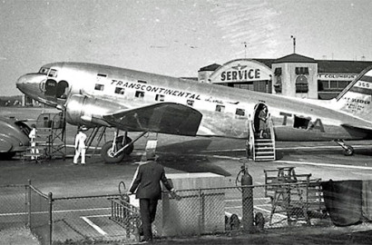 TWA airplane at Port Columbus Airport in 1941.